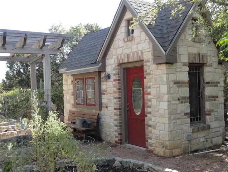 Blue Moon Log Cabins - Cottages - Austin, TX