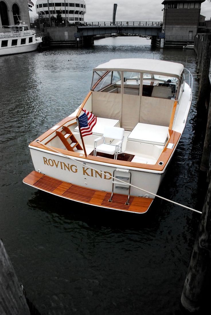 30 39 chris craft commander sportsman owned by my friend in for Classic chris craft wooden boats