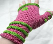 Sweet in Pink and Green...Ravelry: bim pattern by Åsa Tricosa #joinprettypearlsinc