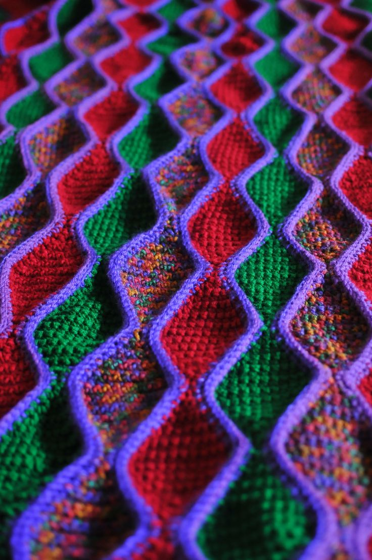 Neverending diamond crochet pattern. Pattern in link comments  Correction: the wording is written wrong.  To correct authors mistake.. Ch 2, R1: 1 sc in 2nd ch from hook. Turn.  R2: Ch 1, 2 sc (increase) in 1 &  only sc. Turn.  R3: Ch 1, increase in 1st sc, sc across. Turn Continue increase to 13 sc across.