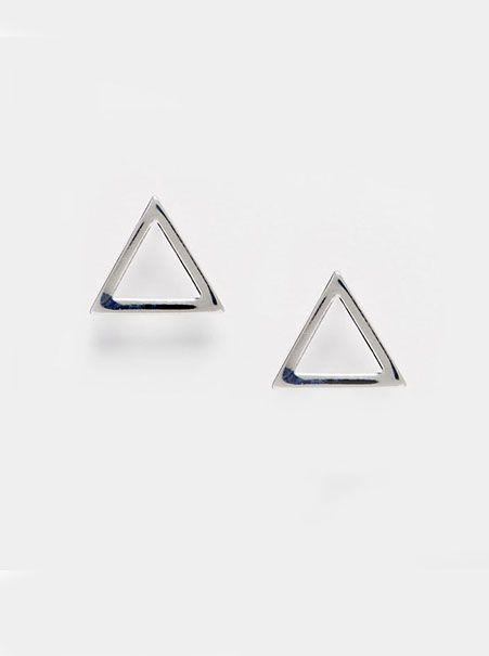 Minimalistische driehoek oorbellen | Merel Blackbird | Zilver kleurig | Hand picked not Handmade | € 5,95