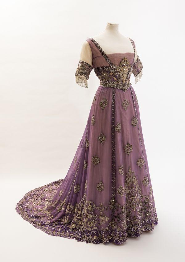 Regency era dress colors for 2018