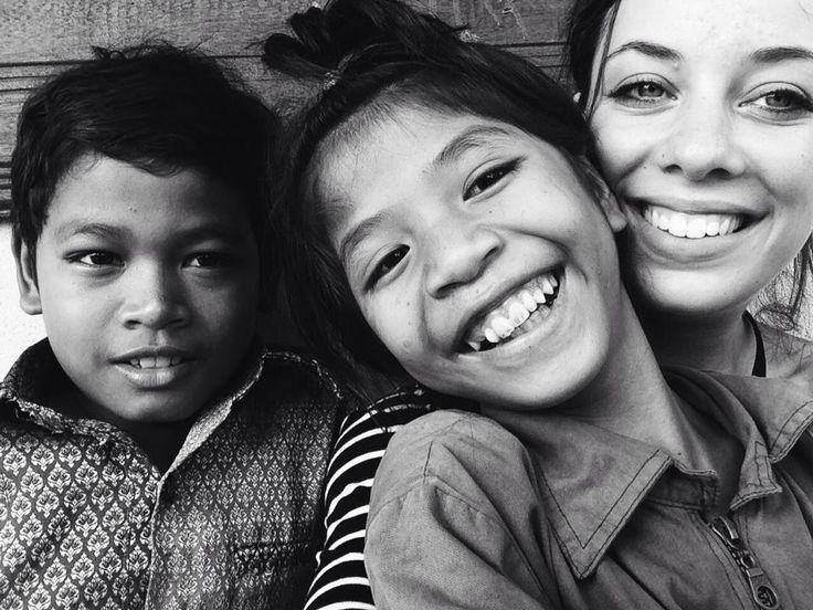 English school for orphans in Cambodia http://just-read-it.cz/narozeninova-party-na-strese-a-navsteva-peace-caffe-nejlepsi-kavarne-v-siem-reapu/