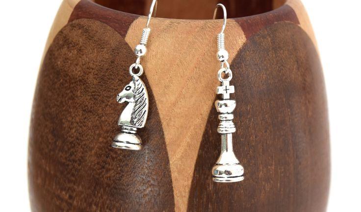Boucles d'oreilles pièces d'échec , échiquier roi et cavalier : Boucles…