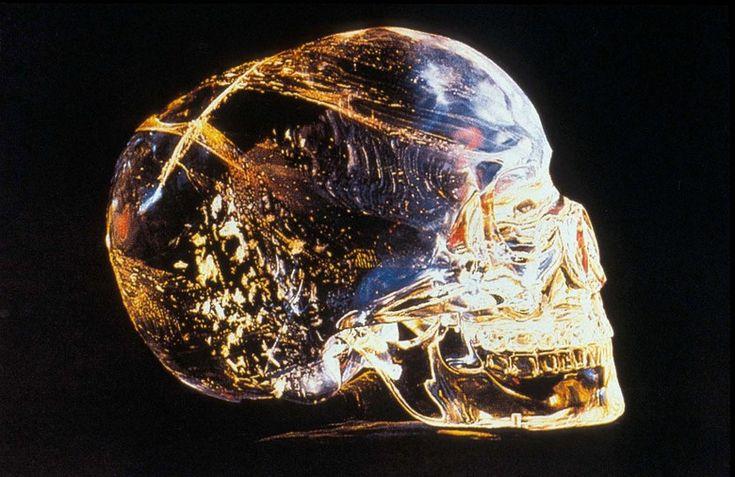 Хрустальный череп - Crystal Skulls with mysterious history