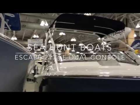 Sea Hunt Boats | Escape 211 LE | Dual Console Boat | Wakeboard Tower