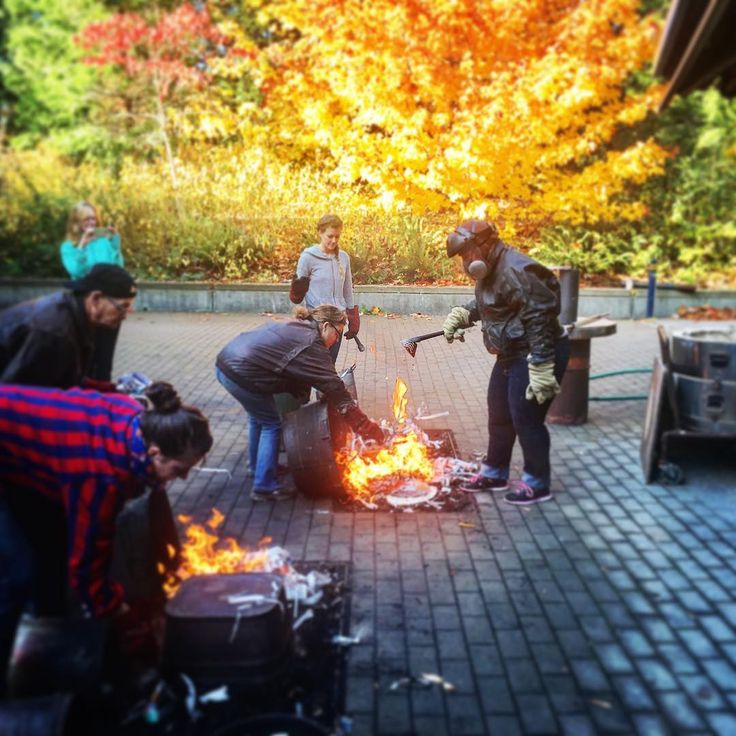 Fire and carbon: first time raku firing at Glen Eagles Community Centre and I'm smelling campfire-y pretty much everywhere right now. Photos of my pieces to follow once they're all cleaned up. via: #probeatzpromo