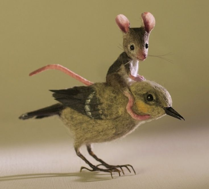Felted mouse and his bird.