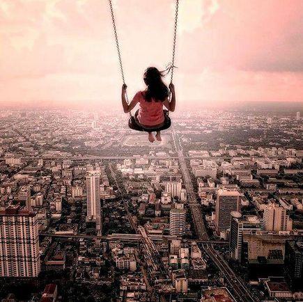Nie bój się...  mierz wysoko. Jeśli jesteśmy na prawdę zdeterminowani, w każdej sytuacji znajdziemy piękno i szansę na zrealizowanie naszych celów.  Wykorzystuj to!  Co dziś było dla Ciebie tą szansą? :)