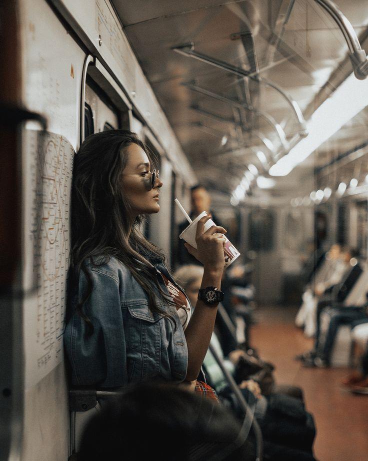Линда фотосессия в метро