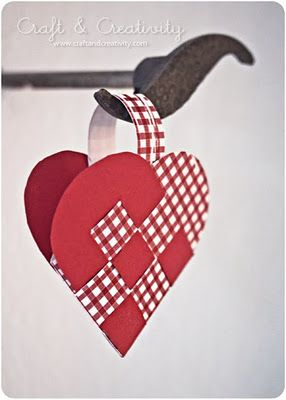 How to make Scandinavian Braided Paper Hearts:
