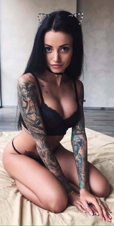 Showing porn images for female non piercing pussy jewelry for Tattoo punk porn