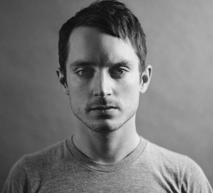 Elijah Wood To Star In 'Dirk Gently' BBC America...: Elijah Wood To Star In 'Dirk Gently' BBC America Series From Max Landis #BBC… #BBC