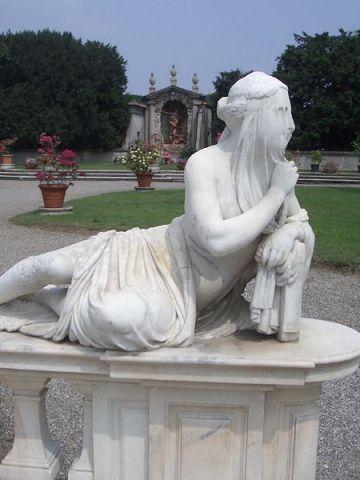 posti-vedere-visitare-Villa_Litta_Lainate_Allegoria_Silenzio