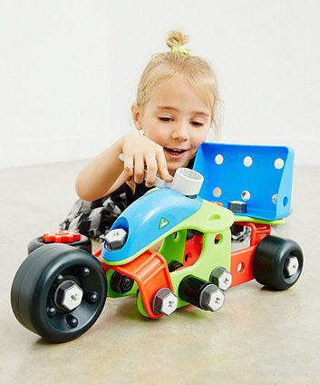 Create a plane, a tractor and lots more with the Build It Mini Vehicles set.
