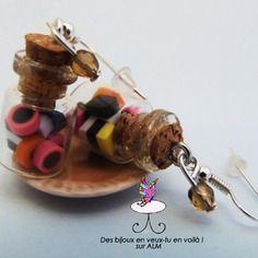 Boucles d'oreilles fioles bonbons anglais réglisses, bijoux gourmands fimo. Polymer clay. http://des-bijoux-en-veux-tu.alittlemarket.com www.facebook.com/Desbijouxenveuxtuenvoila