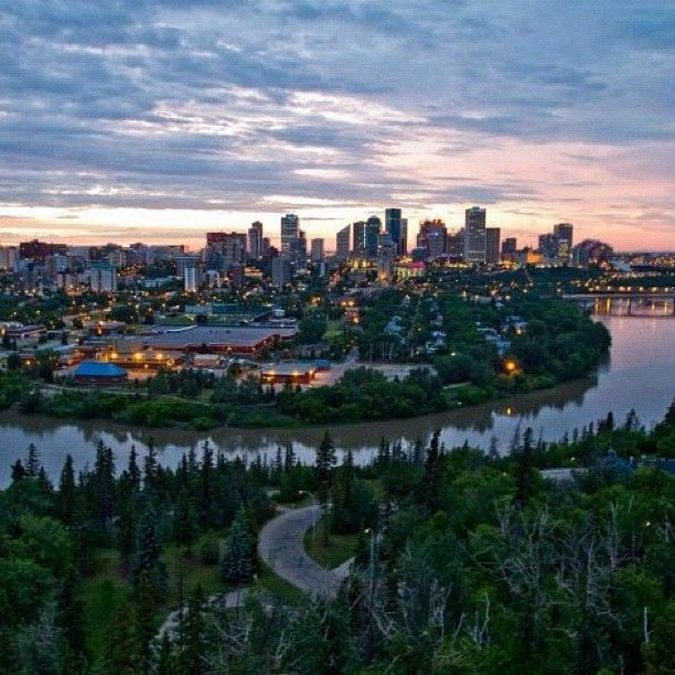 "@kylebobbyj's photo: Beautiful shot of Edmonton river valley ""#yeg #yegweather"