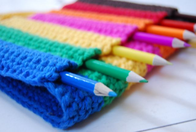 rainbow pencil case bloged at LuzPatterns.com #crochetpencilcase #rainbowcrochet #crochet http://luzpatterns.com/2014/07/21/back-to-school-crochet-sewing-and-knitting-inspiration/