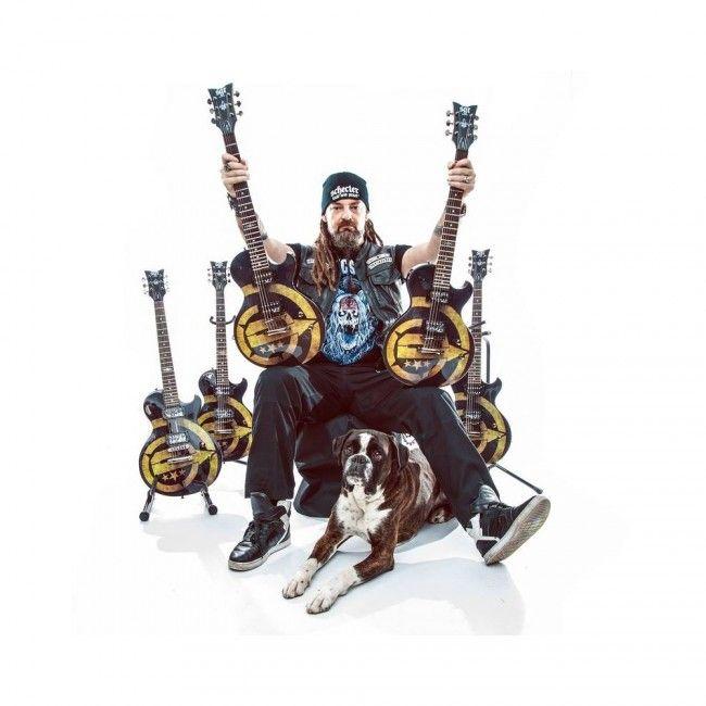 Limitált kiadású Tankcsapda SGR By Schecter elektromos gitár korlátozott példányszámban.  http://www.hangszerarzenal.net/tankcsapda-sgr-les-paul-by-schecter-elektromos-gitar