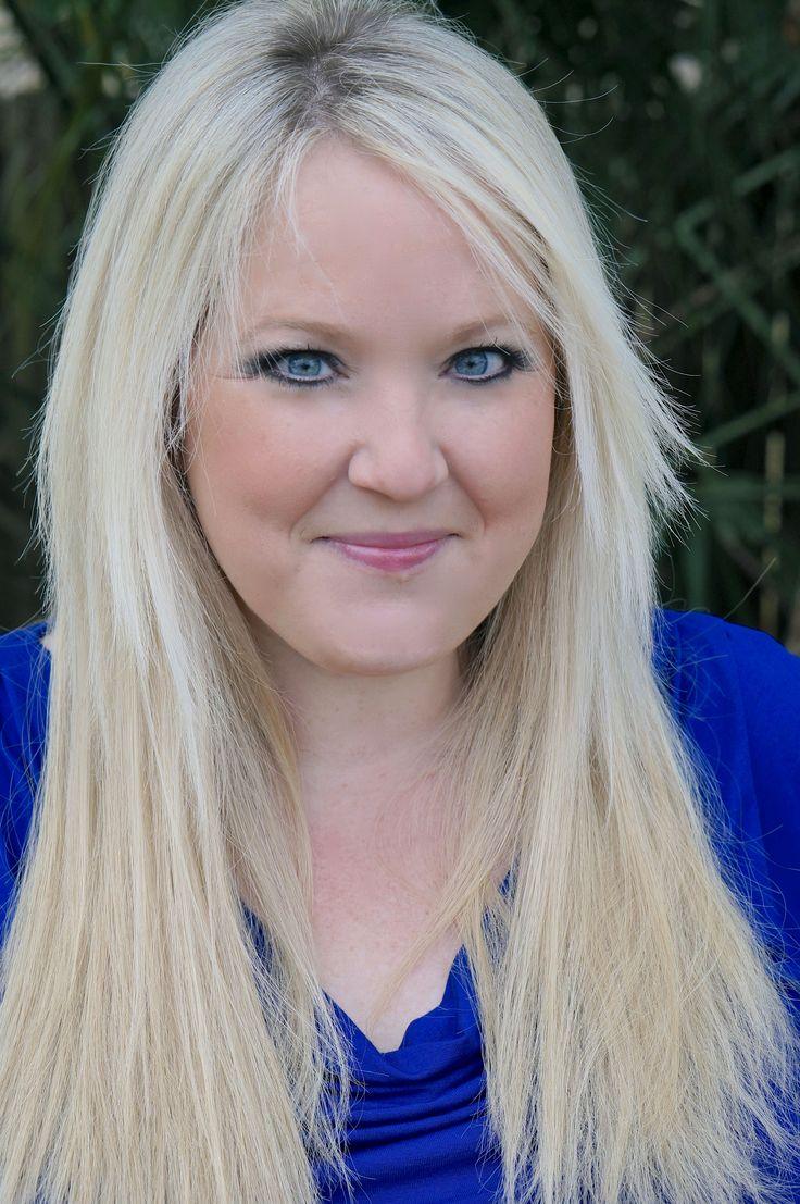 Abbi Glines  Autora de la serie Sea Breeze