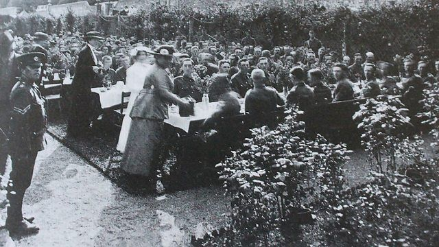 WORLD WAR I (Summer 1915) | Fowey, Cornwall: 'Lady Quiller-Couch serving tea to the men of the 10th battalion of the Duke of Cornwall Light Infantry at her home.'     ✫ღ⊰n
