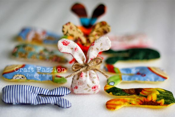 Tut de petits sachets en forme de tête de lapin en tissu, pouvant par exemple servir de pot pourri dans une armoire (une machine à coudre est ici necessaire)
