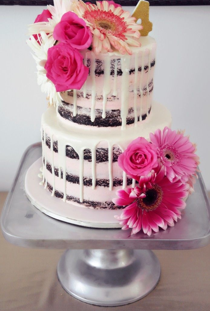 Fresh Flower Cake Floral Birthday Party - K&Elphy www.kandelphy.com