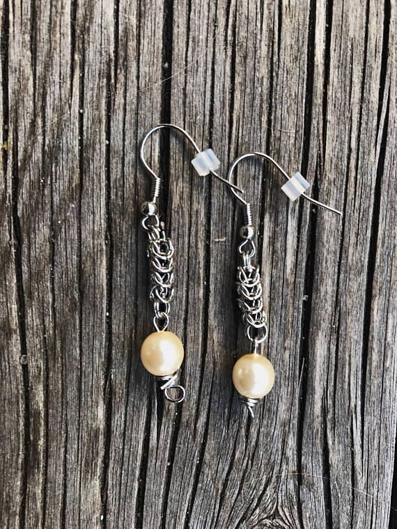 Byzantine earrings with white beads