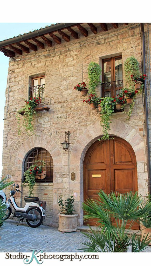 25 best ideas about italian houses on pinterest italian for Italian house design