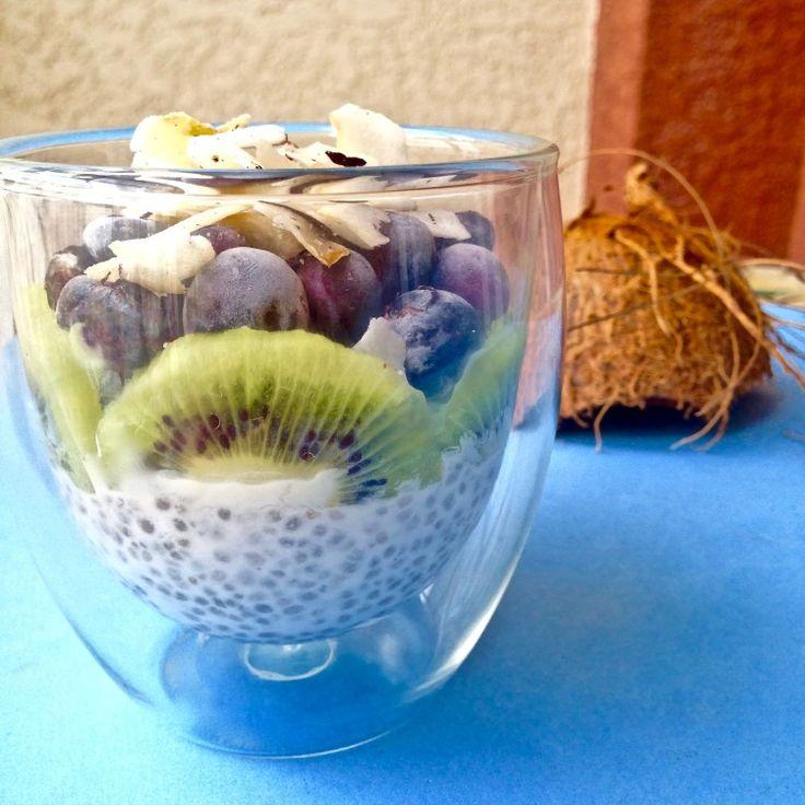 O Pudim de Chia cabe no seu café da manhã, lanche da tarde, ou de sobremesa! Super saudável! A chia é um SUPER ALIMENTO! Promove saciedade e rico em nutrientes!