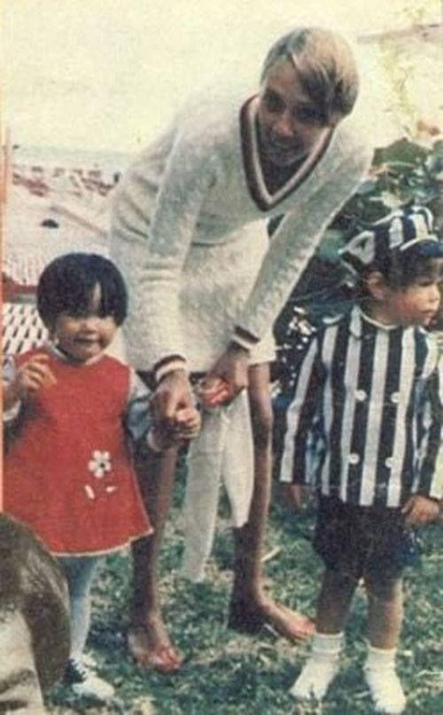 Keanu e a irmã Kim crianças