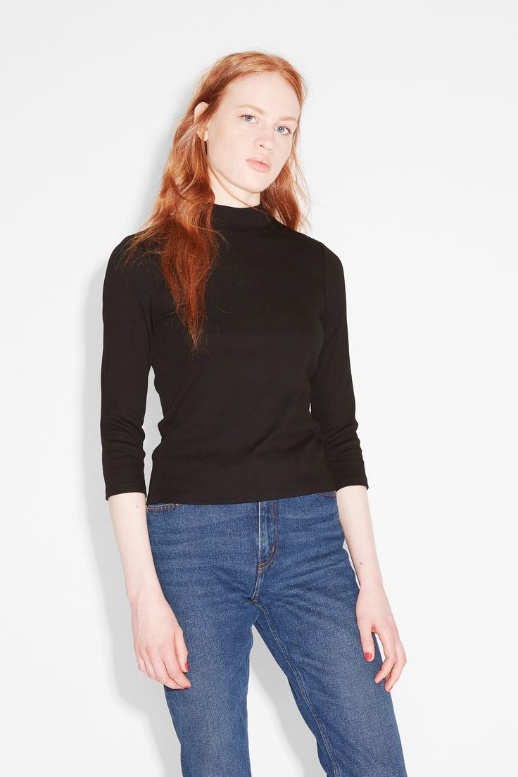 Fitted ¾ sleeve top