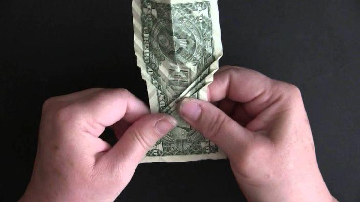 Wie man aus einem Dollarschein einen Koi faltet - http://www.dravenstales.ch/wie-man-aus-einem-dollarschein-einen-koi-faltet/