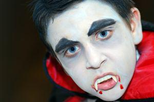 kinderschminken vampir gesicht