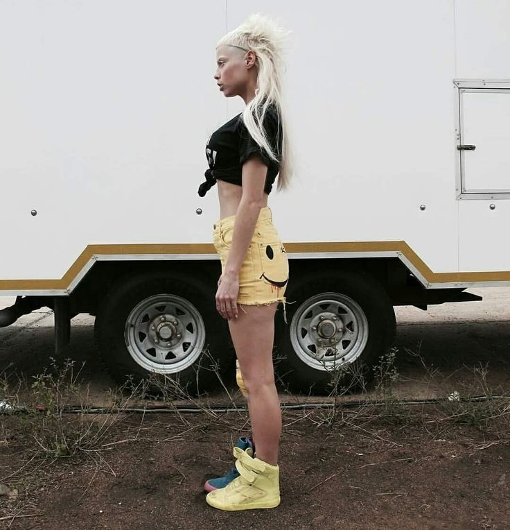 Pin de Diana Laura en Die antwoord | Moda estilo, Moda, Cantantes