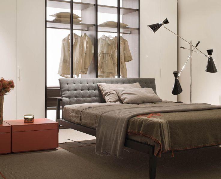 Il letto Theo disegnato da Studio Kairos abbina la ricchezza e il calore del legno con il rigore e la pulizia formale delle linee sobrie ed eleganti.   #lema #showroom #rossimobili #botticino