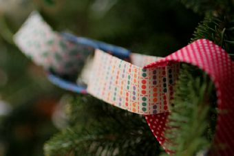 Fabric chain garland. There is something so old-fashioned about it that I love. A Christmas tree decoration, but could be made for any occasion with the right fabrics.