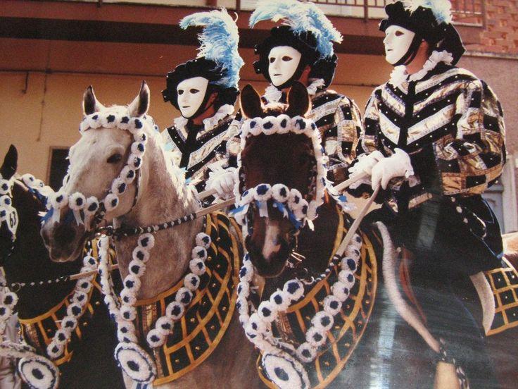 Costumi di forgia spagnola.