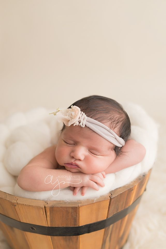 Newborn photography saskatoon sk