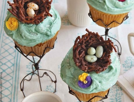Cadbury Egg Blondies, Candy Cupcakes... And 5 More Colorful Easter Treats | Photo Gallery - Yahoo! Shine