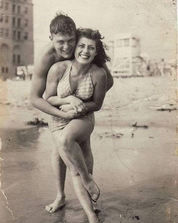 Lovely  http://ift.tt/2hsWLlS #Couples