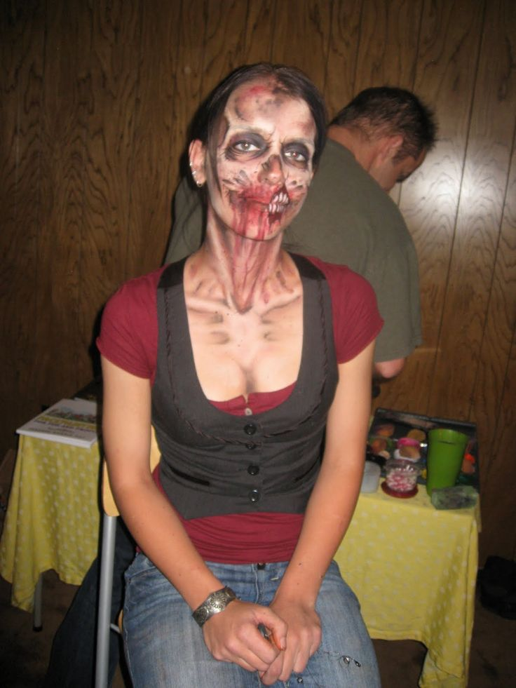 Kingsley Corner: Facepainting class and Zombie crawl