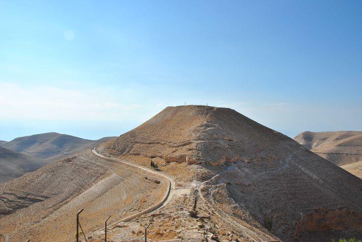 Come se la cavano i nostri blogger in #Giordania? Ve lo raccontiamo qui > http://bit.ly/1mafakI Segui il nostro blog #tour #VolagratisJN #jordan #travel