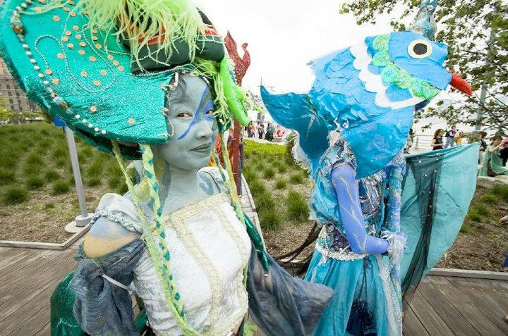 Earth Celebrations Hudson River Pageant, New York City. Wetlands and Water. Photo by Carl Saytor.