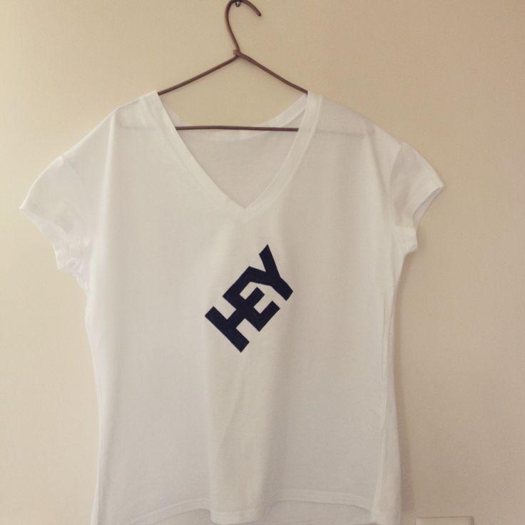 """""""Hey"""" koszulka ręcznie malowana"""