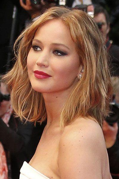 Jennifer Lawrence et son carré long aux mèche blondes au Festival de Cannes 2013.