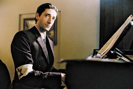 "2002 - ADRIEN BRODY in ""El pianista"" [The Pianist] / role: Władysław Szpilman"