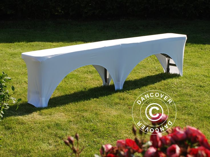 STRETCH BENCH COVER 183X28X43 CM, WHITE Smart and easy to mount bench cover in stretch fabric. Adds an exclusive look to your bench. #decoration #bench #cover #inspiration #event