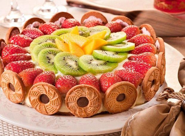 Torta Tropical Leva Frutas E Biscoito Mousse De Morango