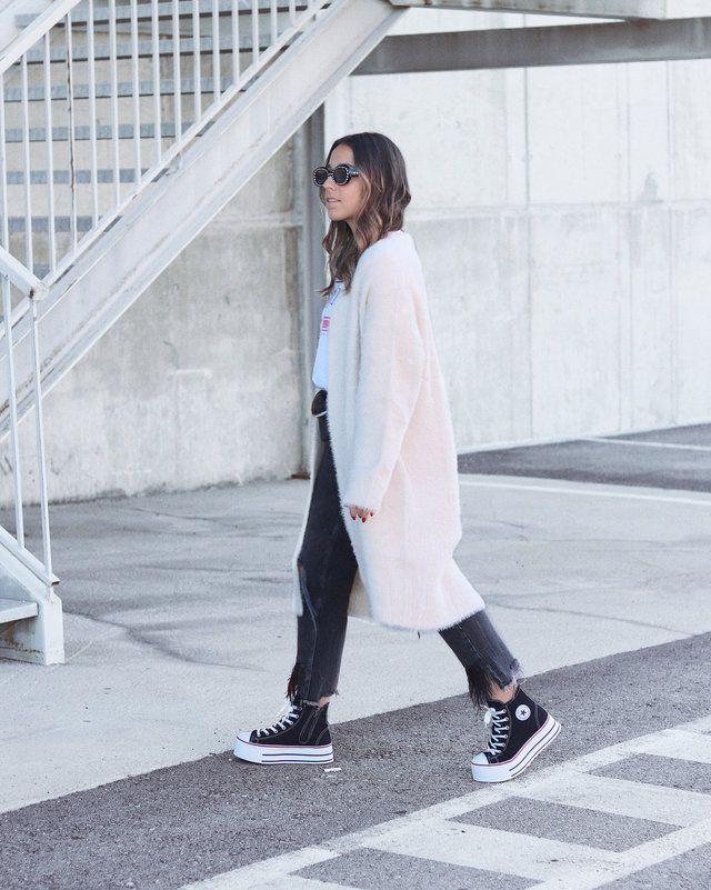 258 Ideas Para Crear Looks Con Converse Todo El Año Moda Con Zapatillas Converse Plataforma Plataforma Negra